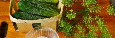 Малосольні огірки в пакеті