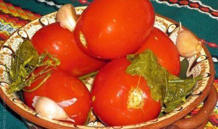 Як квасити помідори в банках на зиму - рецепт з фото та відео