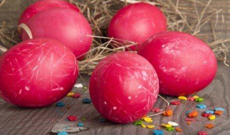 Рецепт: Як пофарбувати яйця на Великдень 2017 буряком