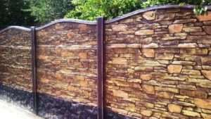Монтаж бетонного паркану