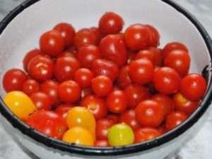 Приготування помідорів черрі на зиму