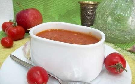 Кетчуп з помідорів та яблук на зиму