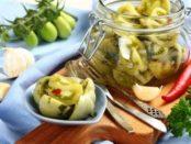 Як правильно засолити зелені помідори в кастрюлі на зиму - покроковий кулінарний рецепт з фото